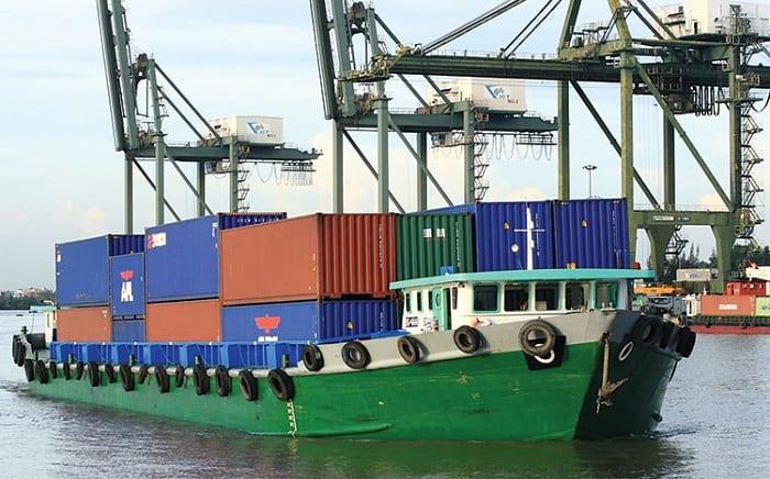 Dịch vụ vận chuyển dầu bằng đường biển trong nước và quốc tế