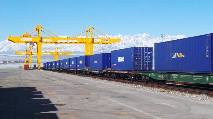 Dịch vụ vận tải hàng hóa bằng đường sắt nội địa và quốc tế