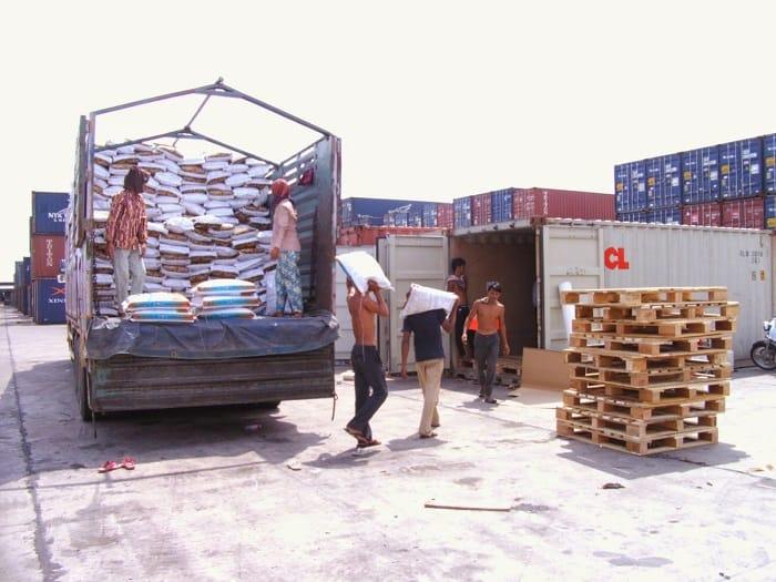 Dịch vụ vận chuyển hàng hóa đi Lào bằng Container giá rẻ