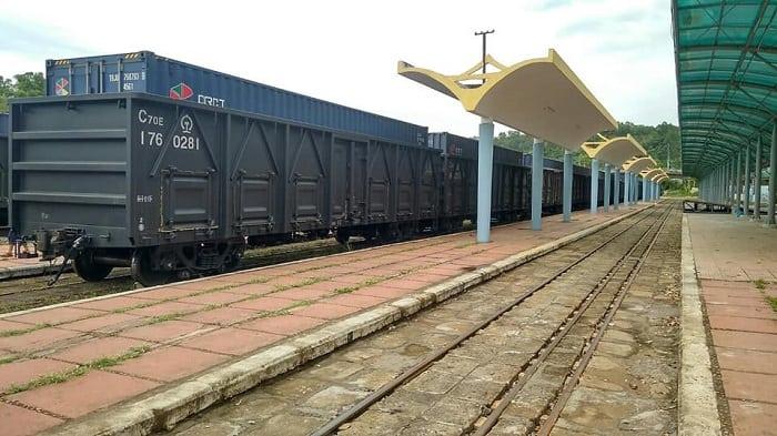 Door to door là gì? Dịch vụ vận chuyển đường sắt door to door