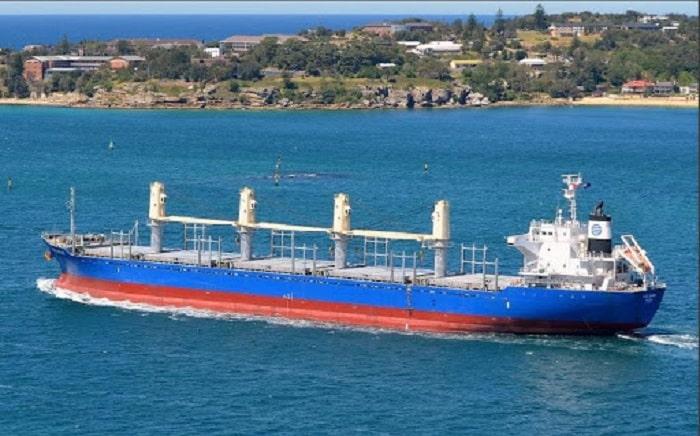 Làm gì khi có nhu cầu thuê tàu chở hàng rời từ Nam ra Bắc?